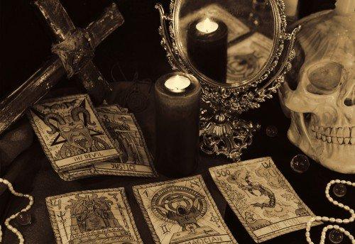 Crowley Tarot: Foto: © Vera_Petruk / shutterstock / #526719985