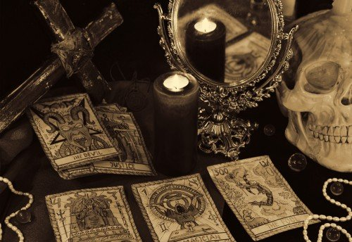 Crowley Tarot: Foto: © Vera Petruk / shutterstock / #526719985